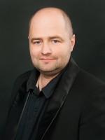 Андрій Вакула (заслужений артист України) - кларнети (саксофони)